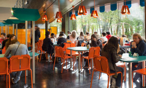المطاعم المخصصة للطلاب